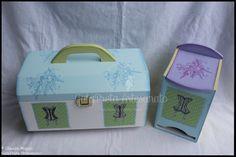 """Maleta para manicure e caixa para pensos higiénicos """"Sweet Colors""""."""