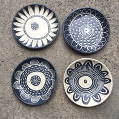 A new size tapa plates. Tapas, Sgraffito, Pottery Painting, Ceramic Pottery, Decorative Plates, Clay, Stuffed Peppers, Tableware, Instagram