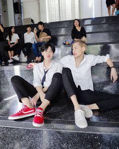 Li Hong Yi, Asian Love, Korean People, Idole, Cute Gay Couples, Thai Drama, We Meet Again, Cute Actors, Meet The Team
