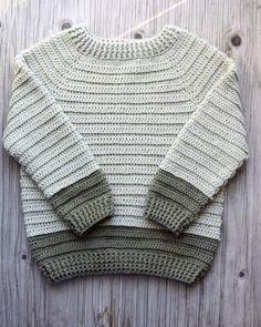 Sofus trøjen - Hæklet trøje til de små | Eponas dagbog Crochet Men, Crochet Baby Sweaters, Crochet Baby Clothes, Crochet For Boys, Love Crochet, Baby Boy Knitting Patterns, Baby Patterns, Crochet Patterns, Baby Boy Sweater