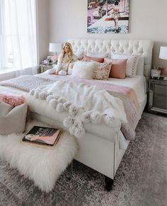 Pink bedroom decor - 91 cozy home decorating ideas for girls bedroom 81 Dream Bedroom, Chic Bedroom, Bedroom Themes, Dream Rooms, Bedroom Decor, Pink Bedroom Decor, Bedroom Inspirations, Bedroom Design, Cozy House