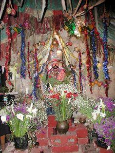 Google Image Result for http://fmso.leavenworth.army.mil/documents/Santa-Muerte/santa-muerte_clip_image001_0003.jpg