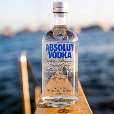 Maker Of Absolut Vodka Cuts Ties With Bullfighting, Peta Celebrates With Shots Absolut Vodka, Vodka Cocktails, Alcoholic Drinks, Liquor Bottles, Vodka Bottle, Coca Cola, 21st Birthday Checklist, Bottle Maker, Pernod Ricard