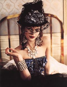 """Fancy a little steampunk, darlin'?""...Vogue Italia  Kate Moss    Ellen von Unwerth"