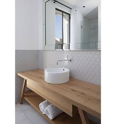 Levy Chamizer Architects is an architecture and interior design studio based in Tel Aviv, Israel. Interior Exterior, Bathroom Interior Design, Beautiful Bathrooms, Modern Bathroom, Interior Minimalista, Stylish Beds, Modern House Plans, Bathroom Furniture, Bathroom Inspiration