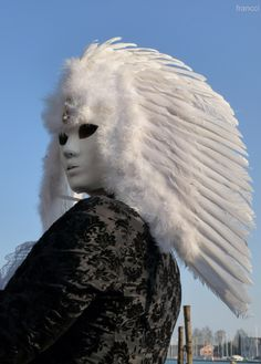 blank face white feather mask/headdress