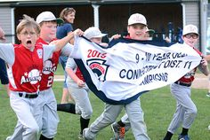 Lebanon 9-10 baseball fends off rally to win District 11 Little League title -  The Lebanon 9-10 baseball team was able to bend but not break, staving off a final-inning rally from Colchester to capture the District 11 Little League championship, 6-4, at Tyler Field on Thursday. Read more: http://www.norwichbulletin.com/article/20150716/SPORTS/150719612 #CT #Lebanon #Colchester #Connecticut #LittleLeague #Baseball #Sports