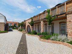 Moc pěkný penzion Majorka je součástí lázní Slatinice u Olomouce. Velmi stylové ubytování s wellness zázemím. Home Fashion, Mansions, House Styles, Home Decor, Decoration Home, Manor Houses, Room Decor, Villas, Mansion
