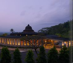 Amanjiwo at dusk.  What a magnificent design for a hotel lobby.