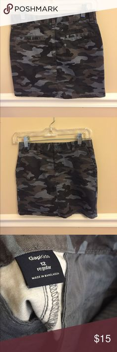 Gap Girls Camo Skirt This is way too cute!!!!  Like new and so adorable. Pockets, adjustable waist for a custom fit with room to grow. GAP Bottoms Skirts