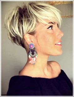 26 Pixie Hairstyles Don't Care About Your Hair Short Pixie Haircuts for Thick Hair - Get Your Inspiration for 2019 - Short Pixie Latest Pixie Cuts for Round Face You'll Love for Summer 2019 - Short Pixie CutsBest Short Haircuts trends and Pixie Haircut For Thick Hair, Short Hairstyles For Thick Hair, Short Pixie Haircuts, Curly Hair Cuts, Curly Hair Styles, Bob Haircuts, Blonde Short Hair Pixie, Pixie Bob Haircut, Elegant Hairstyles