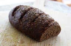 Il+pane+è+l'alimento+più+consumato+sulle+nostre+tavole+e,+che+sia+a+colazione+o+a+pranzo,+è+difficile+dire+di+no+ad+una+buona+fetta+di+pane+fresco.+Il+pane+comune+è+però+un+alimento+ricco+di+carboidrati+e+povero+di+fibre,+vitamine+e+sali+minerali,+e+per+questo+motivo,+chi+segue+un+regime+di+alimentazione+controllata+spesso+gli+preferisce+pan