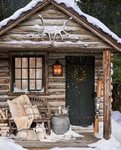 little log cabin on a winter night. Christmas is just around the corner. are you ready? Thanks to via for the cozy inspiration.The perfect little log cabin on a winter night. Christmas is just around the corner. are you ready? Winter Cabin, Cozy Cabin, Winter Snow, Winter Christmas, Cozy Winter, Christmas Time, Log Cabin Christmas, Diy Log Cabin, Winter Porch