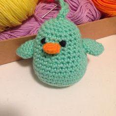 Design by Dalkær: Crochet bird (with recipe) Crochet Birds, Easter Crochet, Love Crochet, Crochet For Kids, Crochet Animals, Crochet Toys, Crochet Baby, Knit Crochet, Amigurumi Patterns