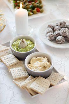 przekąski na imprezę Snack Recipes, Snacks, Food Design, Guacamole, Feta, Food And Drink, Lunch, Cheese, Impreza
