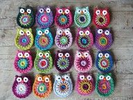Owl Granny Square How to crochet an Owl Granny Square for baby blankets and other projects Crochet Owls, Love Crochet, Learn To Crochet, Crochet Animals, Crochet Crafts, Knit Crochet, Crochet Patterns, Crochet Granny, Yarn Projects