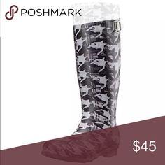 Kamik Print Rubber Rainboots! NIB! Dynamic Black! Fun print! New in box. Kamik Shoes Winter & Rain Boots