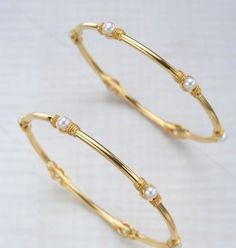 Bewitching Jewelry Accessories Gold Ideas 7 Discerning Clever Tips: Unique Jewelry Box stone jewelry set. Gold Bangles Design, Gold Earrings Designs, Gold Jewellery Design, Gold Designs, Pearl Jewelry, Crystal Jewelry, Stone Jewelry, Gold Jewelry, India Jewelry