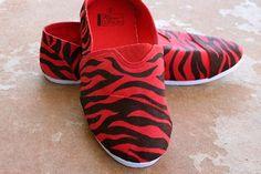 DIY Shoes : DIY Zebra Striped Classic Canvas Kicks