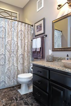 How to make the best remodel for your small bathroom in 2016 Best Bathroom Vanities, Bathroom Cabinets, Modern Bathroom, Small Bathroom, Bathroom Ideas, Room Tiles, Real Estate Sales, Amazing Bathrooms, How To Make