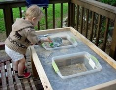"""DIY Sand and Water Table.saw something similar for older kids.with little treasures.to pan for """"gold"""" Sand And Water Table, Sand Table, Water Tables, Projects For Kids, Diy For Kids, Kids Fun, Project Ideas, Home Daycare, Toddler Fun"""