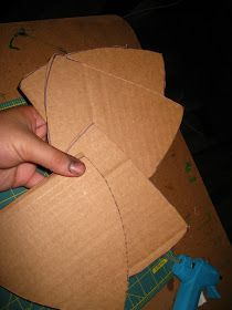 Happily Ever Crafter: DIY: Building a Medieval Helmet Out of Cardboard Pirate Halloween Costumes, Couple Halloween Costumes For Adults, Costumes For Teens, Couple Costumes, Group Costumes, Adult Costumes, Hiccup Costume, Shrek Costume, Wolf Costume
