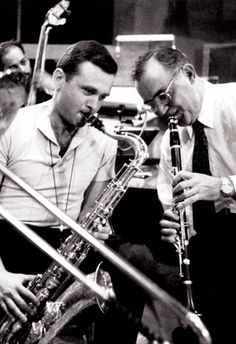 Benny Goodman playing with Stan Getz Poster, Saxophone & Clarinet, Jazz Icons Jazz Artists, Jazz Musicians, Jazz Blues, Blues Music, Motif Music, Stan Getz, Like This Song, Cool Jazz, Jazz Band