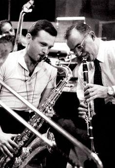 Benny Goodman playing with Stan Getz Poster, Saxophone & Clarinet, Jazz Icons Jazz Artists, Jazz Musicians, Jazz Blues, Blues Music, Motif Music, Stan Getz, Like This Song, Cool Jazz, Jazz Band
