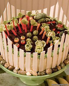 Spring Garden Cake - Martha Stewart Recipes Oh, how I wish I had the patience to make two dozen tiny marzipan vegetables. Carrot And Walnut Cake, Carrot Cake, Food Cakes, Cupcake Cakes, Beautiful Cakes, Amazing Cakes, Rodjendanske Torte, Martha Stewart Recipes, Garden Cakes