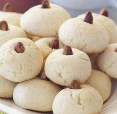 Kolay un kurabiyesi http://www.lezzetliyemeklerperisi.com/kurabiye-tarifleri/kolay-un-kurabiyesi-tarifi.html