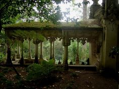 Quinta da Regaleira palace (Sintra) gardens have waterfalls, wells and a grotto.