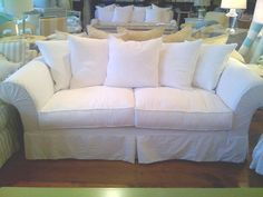 The Lily Sofa #Cottagechic