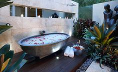 Architecture : Captivating outside bathtubs ideas for home spa design picture - a part of Glamorous Modern Landscape Design Ideas From Rolling Stone Landscapes Spa Design, House Design, Design Ideas, Design Inspiration, Garden Design, Outdoor Bathtub, Outdoor Bathrooms, Outdoor Showers, Modern Landscape Design