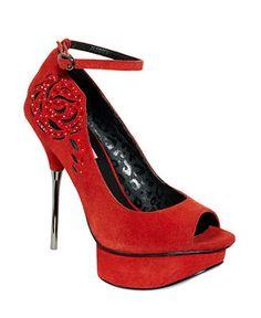 Long stemmed roses. Betsey Johnson #pumps #heels #macys BUY NOW!