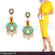 Que viva el #color y la #elegancia. Los #pendientes Amelia quedan fabulosos con vestidos de #fiesta ★ Precio: 12,95 € en http://www.conjuntados.com/es/pendientes/pendientes-largos/pendientes-amelia-verdes-con-strass.html ★ #novedades #earrings #conjuntados #conjuntada #joyitas #jewelry #bisutería #bijoux #accesorios #complementos #moda #fashion #fashionadicct #picoftheday #outfit #estilo #style #GustosParaTodas #ParaTodosLosGustos