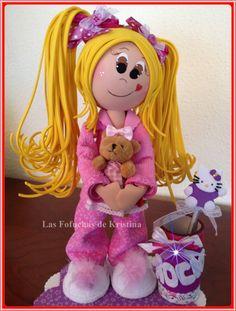 "Color y Diversión ""TOY COLORS"": Rocío Foam Crafts, Arts And Crafts, Diy Crafts, My Bebe, Cute Eyes, Lalaloopsy, Fairy Dolls, Cute Dolls, Biscuit"