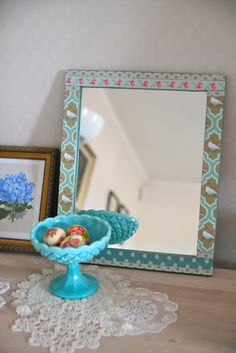 Tutorial: Decoupaged mirror frame