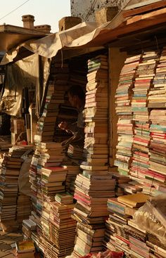 Book stall in Iraqphoto by dastan khdir