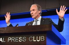 Chief scientist Alan Finkel says it is clear that investors in the energy market prefer wind and solar because they are cheaper to build than traditional generation such as hydro and coal.