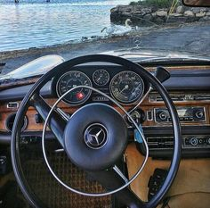 Mercedes Interior, Commercial Van, Classic Mercedes, Mercedes Benz Amg, G Wagon, Dashboards, Old Cars, Motorhome, Vintage Cars