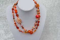 #Schmuck #Halsschmuck #Kette #orange #Herz #Polaris #Schmetterling  Nun mal ein Exemplar aus meiner Ketten-Kollektion. Dieses Mal ein wunderschönes Stück in orange mit Perlen in besonderen...