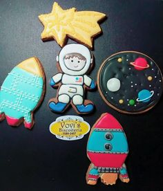 Biscoitos Astronauta Biscoito princesa Sophia by Vovi's Biscoiteria 51 35882457 ou pedidosvovis@gmail.com