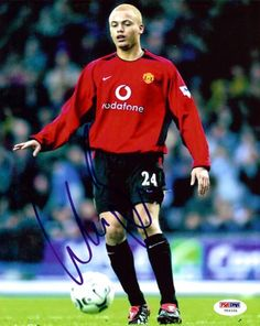 Wes Brown Autographed 8x10 Photo Manchester United PSA/DNA #U54331