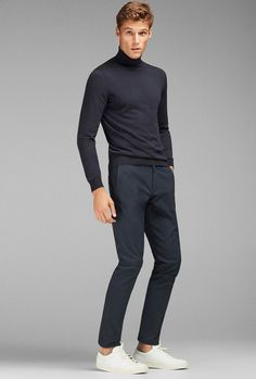 Nice And Unique Men Outfit To Wear Everyday 32 Mens Turtleneck, Turtleneck Outfit, Jumper Outfit, Style Casual, Men Casual, Mens Smart Casual Outfits, Business Dress, Turtle Neck Men, Smart Casual Menswear