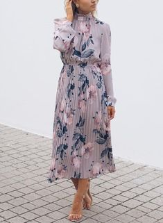 Lilac Floral Print High Frill Neckline Pleated Dress RosyFairys - Casual Dresses - Ideas of Casual Dresses Long Sleeve Midi Dress, Maxi Wrap Dress, Modest Dresses, Casual Dresses, Maxi Dresses, Floral Dresses, Casual Outfits, Bridesmaid Dresses, Outfit Formal Mujer