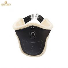 The Kentucky Sheepskin Stud Girth offers an anatomic design for optimum freedom of movement, with the added benefit of sheepskin lining for comfort. English Horse Tack, Horse Fashion, Horse Accessories, Horse Supplies, Horse Gear, English Riding, Equestrian Outfits, Saddle Pads, Saddles