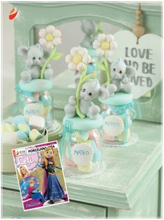 Ratón Clay Crafts, Diy And Crafts, Polymer Clay Disney, Chocolate Pack, Teddy Bear Cakes, Cake Decorating With Fondant, Pots, Dessert In A Jar, Clay Figurine