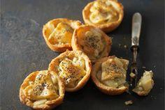 AURA päärynäkorit ✦ AURA päärynäkorit maistuvat kuumien juomien, kuten glögin kanssa. http://www.valio.fi/reseptit/aura-paarynakorit/