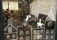 Christmas Decorations, Christmas Ornaments, Holiday Decor, Deco Table Noel, Saint Nicolas, Chalkboard Art, Holiday Parties, Ramen, Christmas Time