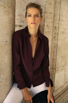 Our Gathered Silk Shirt is a timeless wardrobe staple. Made in the US with rich, heavyweight crepe de chine.